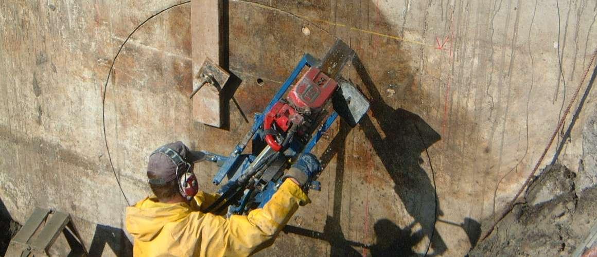 Boren van gaten tot 10000mm - Betonboringen- en Zaagbedrijf K. Wijma BV
